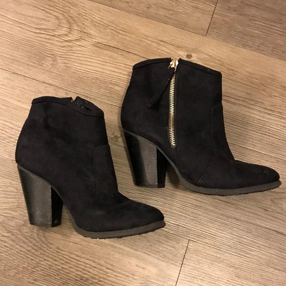 b4c5dd8a423 Liliana Shoes   Black Chunky Heel Ankle Booties   Poshmark